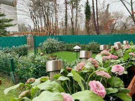 Wunderschöne 3 Zimmer – EG Wohnung mit eigenem 60 qm Garten und schicker Einbauküche, kein Makler
