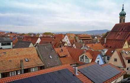 Maisonette-Wohnung mit 3,5 Zimmern sowie Balkon und Einbauküche in Rottenburg am Neckar