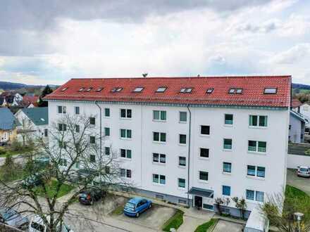 Renovierte Etagenwohnung mit Sonnenbalkon, großem Keller und Stellplatz