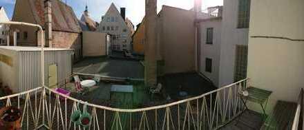 Stilvolle 2-Zimmer-Wohnung mit Balkon und Einbauküche WG-tauglich