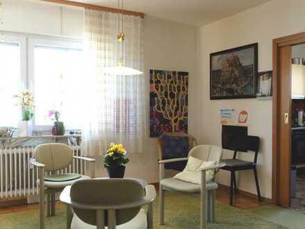 Maisonette-Wohnung mit Balkon u. Terrasse im 2-FH