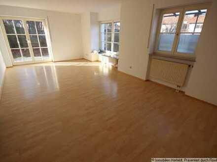 Schicke 2-ZKB-Terrassenwohnung im EG + 2-ZKB Hobbyraum/Büro/Praxis im UG