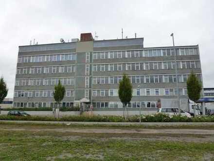 800 qm Hallen/Produktionsfläche in Fellbach/Industriegebiet