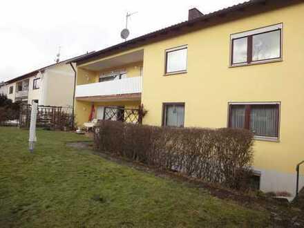 Günstige, gepflegte 5-Zimmer-EG-Wohnung mit Terrasse und Gartenmitbenutzung in 2 Fam. Haus Bodenwöhr
