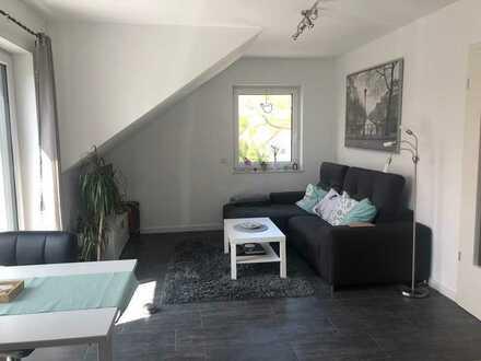Neuwertige 3-Zimmer-Wohnung mit Balkon und EBK in Hillerse