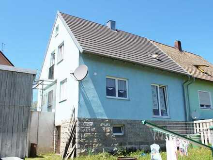 Gepflegte Doppelhaushälfte mit großzügigem Grundstück