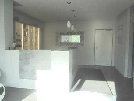 Brück Immobilien - Gewerbliche Fläche zu vermieten - 5 Räume auf 130 m²