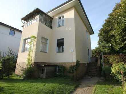 Zweifamilienhaus (teilvermietet) in schöner Lage von Wilhelmsruh