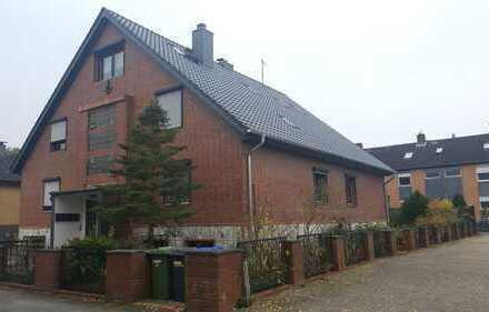 3-Zimmer. Erdgeschoss-Wohnung rechs (nähe Wald) im 4 Familienhaus