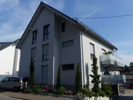 Rebland, Neubau, 2. Bezug, KfW55, großzügige, helle 4 Zimmer DG-Wohnung (2. OG), Balkon zu vermieten