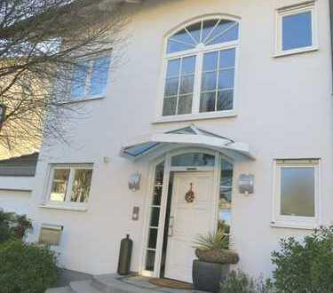 Exklusives Wohnen mit viel Licht, Luft und Sonne auf 202m² in Sandhausen
