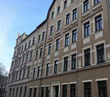 Tolle Kapitalanlage! 4- Raum-Wohnung mit Balkon, vermietet, Haus mit Lift in Chemnitz!