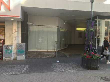 Ladenbüro in der Fußgängerzone zu vermieten