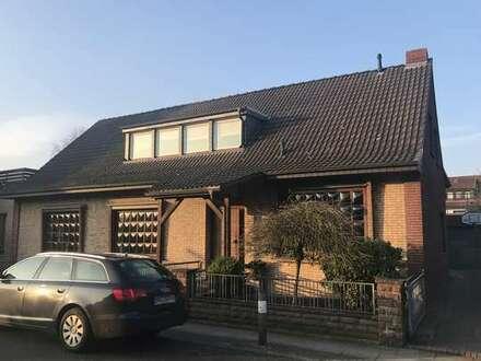 Schicke, individuell gestaltete Wohnung im ruhigen 3 Familienhaus