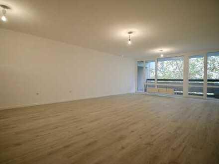 Renovierte 3-Zimmer-Wohnung mit Balkon im 5. Obergeschoss in Köln-Weiden