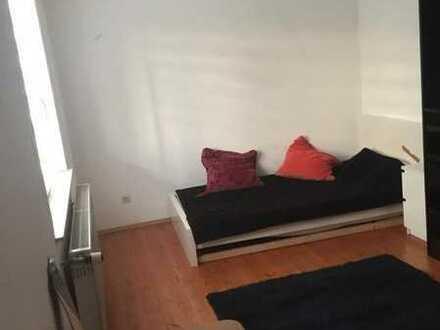 Schönes WG-Zimmer in 2er WG - mit extra Zimmer und tollem Balkon