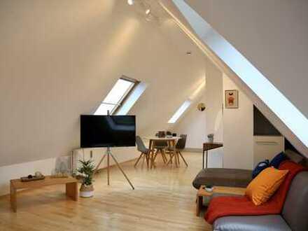 Wunderschöne, möblierte 1-Zimmer Dachgeschosswohnung / Beautiful rooftop apartment with nice view