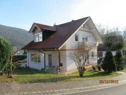 Moderne Doppelhaushälfte in sehr schöner, ruhiger Wohnlage