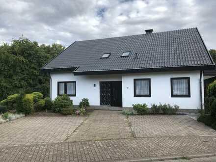 Frisch sanierte Dachgeschosswohnung in Saarlouis Steinrausch
