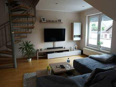 Geräumige und gepflegte 2-Zimmer-Wohnung mit EBK & 20 qmWintergarten in Rheine Eschendorf.