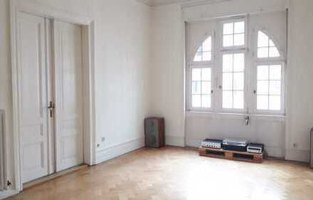 2.000 €, 145 m², 5 Zimmer