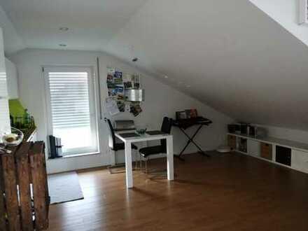 Neuwertige 2,5-Zimmer-DG-Wohnung mit Balkon in Bad Waldsee