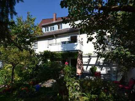 Schönes Mehrfamilienhaus mit Potential in Stuttgart-Hedelfingen