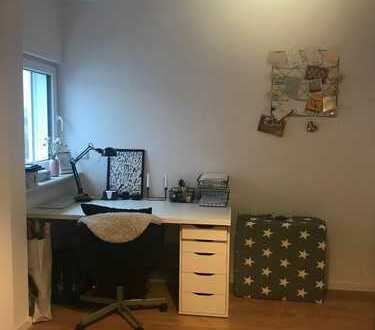 18 qm Zimmer, in netter 4er WG, in Uni Nähe