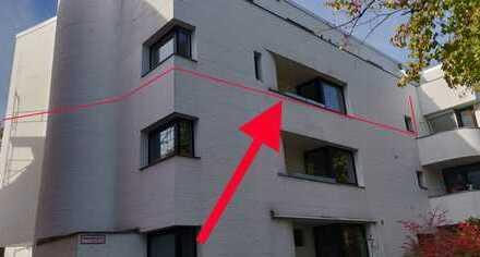 Schöne, geräumige vier Zimmer Wohnung in Bremen, Gete. Renoviert.