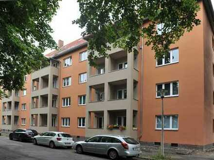tolle Erdgeschoss-Wohnung mit Balkon - Kernsanierung -