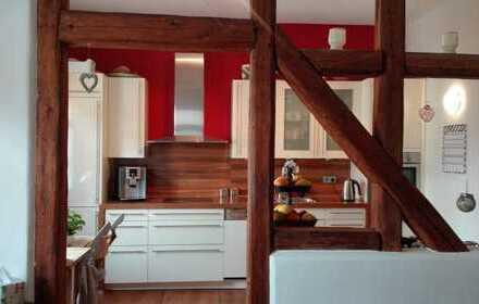 Außergewöhnliche, helle 5-Zimmer-Altbau-Wohnung mit Einbauküche in Friedrichsdorf