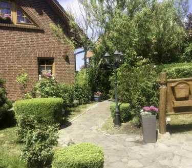 Einfamilienhaus mit Einliegerwohnung, Wasserblick und vielen Extras