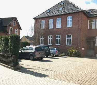 3-Familienhaus, mit dem besonderen Stil / Betongold in Bückeburg