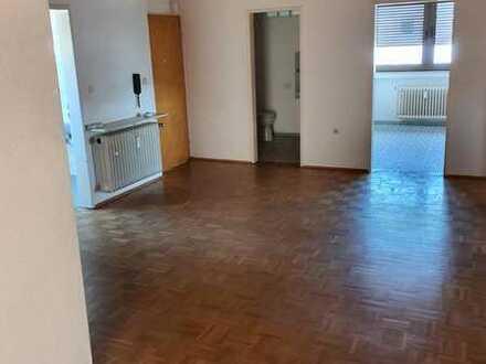 Preiswerte, gepflegte 6-Zimmer-Wohnung mit Balkon in Pirmasens-Winzeln