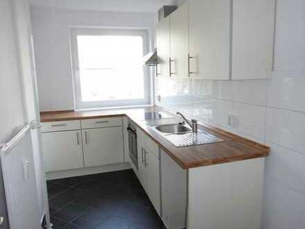 Umfassend modernisierte Wohnung mit Einbauküche
