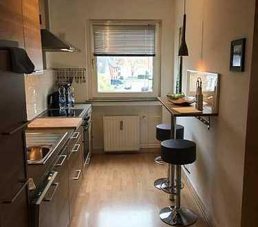 Gepflegte möblierte 2-Zimmer-Wohnung mit Loggia in Rheinnähe!!!