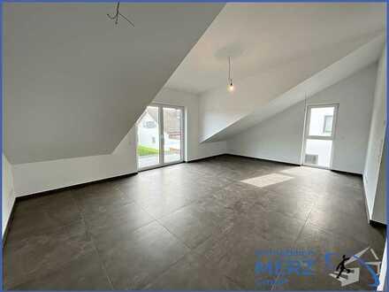 Traumhafte 3,5 Zimmer DG Wohnung & Balkon -Erstbezug