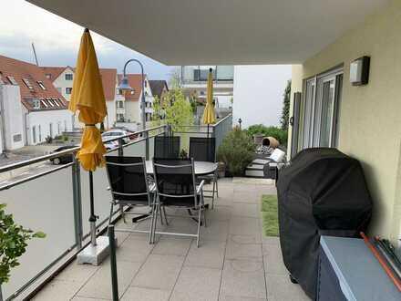 Neuwertige 3,5-Zimmer-Wohnung mit Balkon und EBK in Kirchstraße, Nordheim