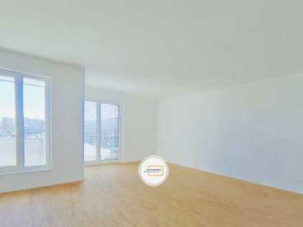 Seltenheit! Neuwertige, lichtdurchflutete 4-Zimmer-Whg. mit 2 Bädern und 2 Balkonen, zentrale La