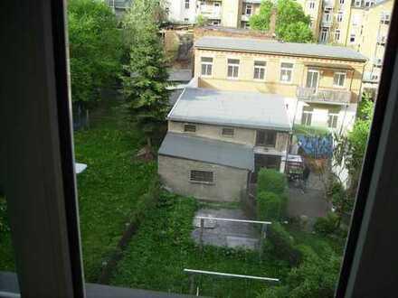 Günstige 3-Raum-Dachgeschoss Maisonette-Wohnung