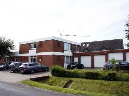 Bürogebäude mit Lagerhalle und Garagen in Oldenburg-Ofenerdiek