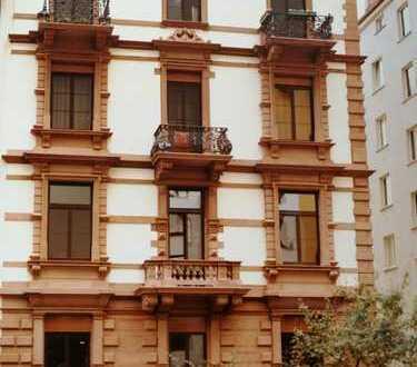 Stilvolle, möblierte 3-Zimmer-Wohnung im Frankfurter Nordend mit Balkon, EBK und Garage