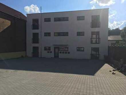 Erstbezug mit Balkon: schöne Wohnung in Dittelbrunn, 82,5 qm, zentral