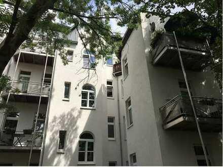 Zwei attraktive MFH mit Balkonen, vollvermietet