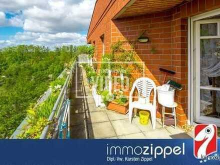Dachgeschoss über Biesdorf: Vermietete, moderne 2-Zi.-ETW mit zwei Dachterrassen in Südausrichtung!