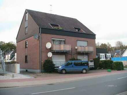 Preiswerte 3-Zimmer-Maisonette-Wohnung mit Balkon in Geldern)
