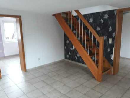750 € - 85 m² - 4.0 Zi.
