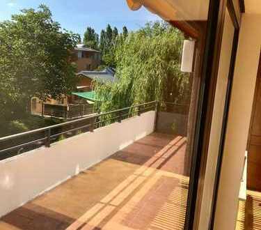 Toll geschnittene 3-Zimmer-Wohnung mit 2 Balkonen in bester Lage im Dornbusch!