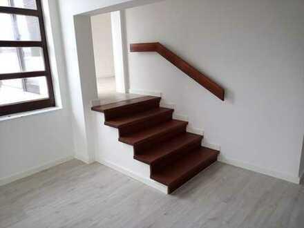 Moderne 3-Zimmer-Maisonette-Wohnung mit Balkon und neuer EBK in Lachendorf