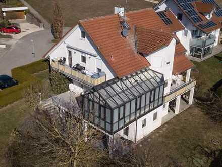 TOP Immobilie: freistehendes Mehrfamilienhaus mit drei Wohnungen
